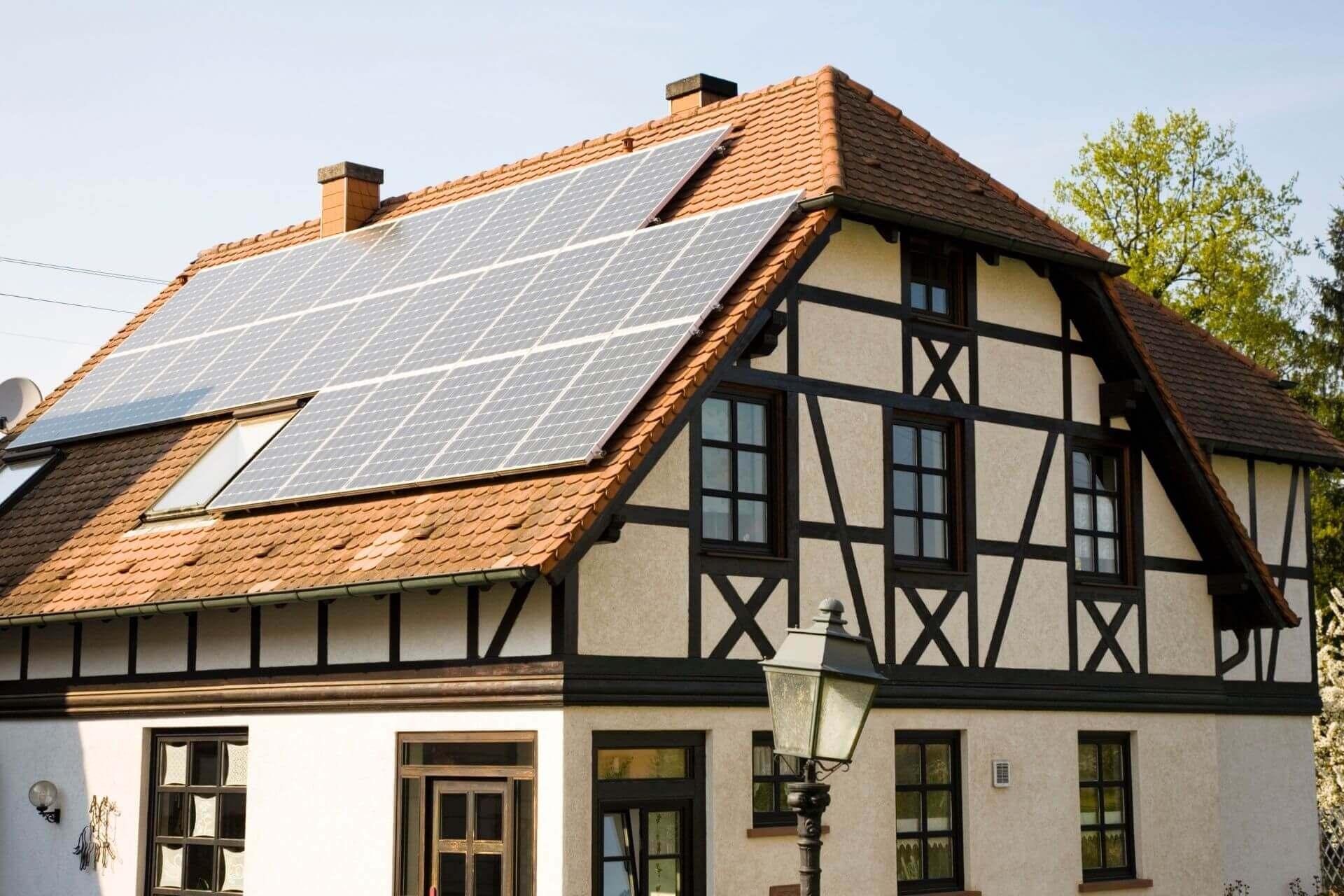 solar panels uk homes 1920x1280
